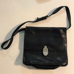 Suevette handbag